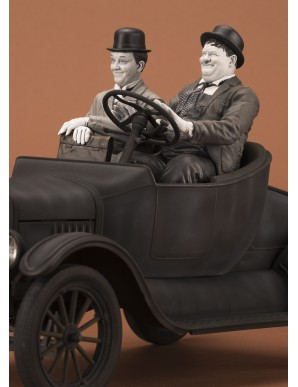 LAUREL & HARDY on FORD model T 1:12 scale