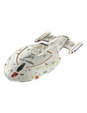 Star Trek model 1/670 U.S.S. Voyager 51 cm
