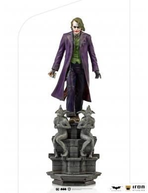 The Dark Knight statuette 1/10 Deluxe Art Scale...